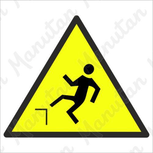 Figyelmeztető táblák - Esés veszélye